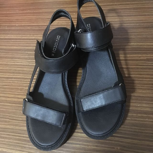 352b3310b85 Black Sandals From H M Divided