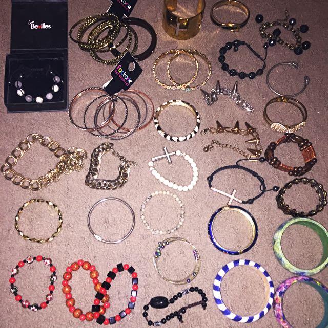 Bracelets, Bangles x 32