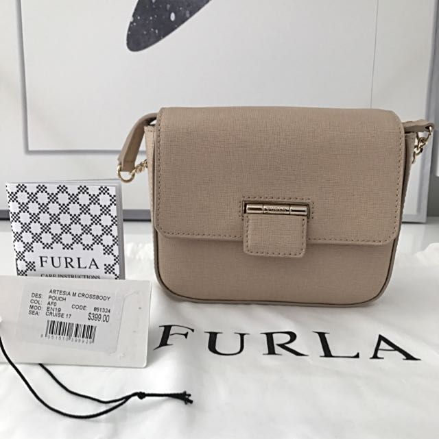 BRAND NEW Furla Artesia M Crossbody Bag