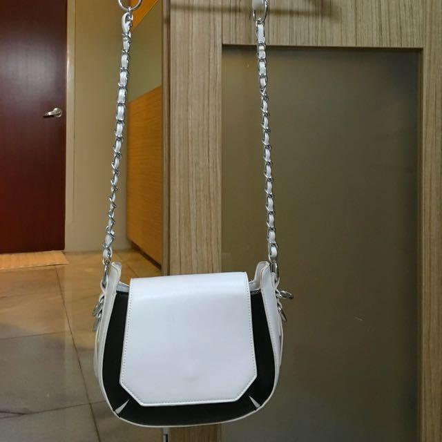 Chain Handle Crossbody Bag