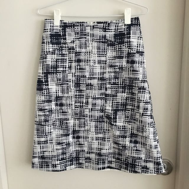 David Lawrence Skirt - Size 6-8 With Pockets