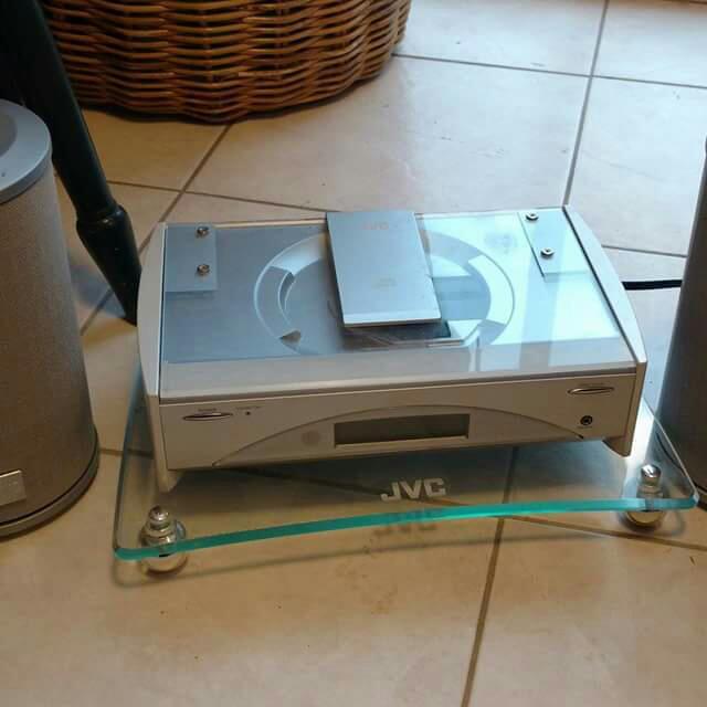 JVC Executive Microsystem CD Player / Radio