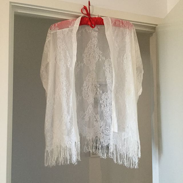 Lace Kimono - Size 10
