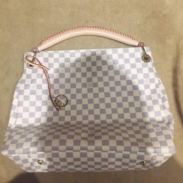 Louis Vuitton Bag (dupe)