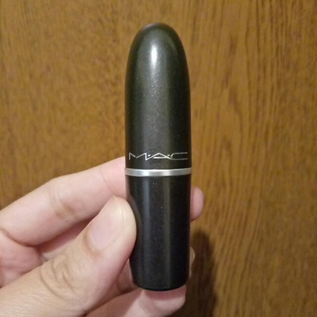 MAC Runway Hit (100% Authentic)