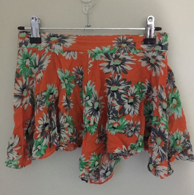 Mink Flowy Patterned Shorts