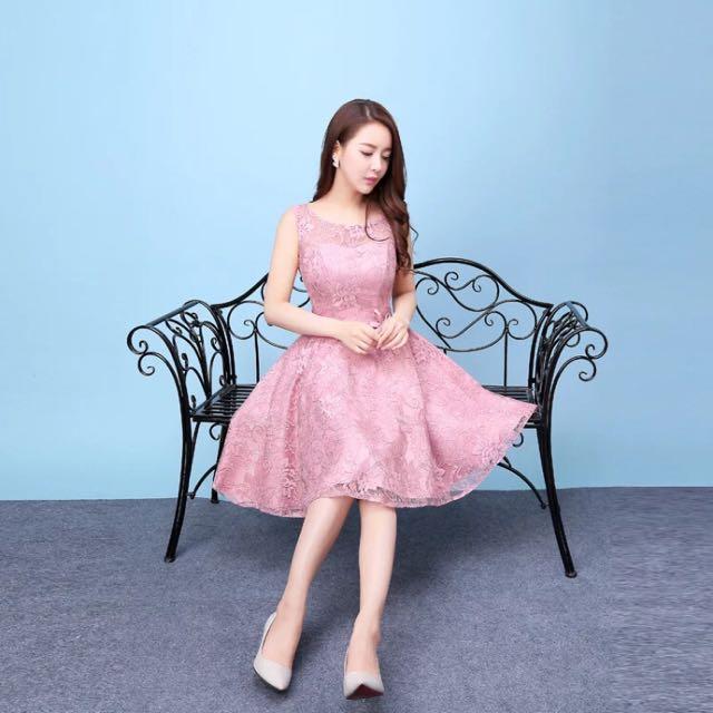 蕾絲無袖豆沙色短版禮服(M一件)