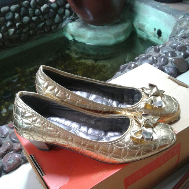 NINE WEST GOLD