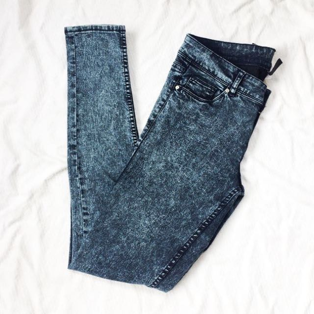 REPRICED‼ H&M Divided High-Waited Acid Wash Jeans