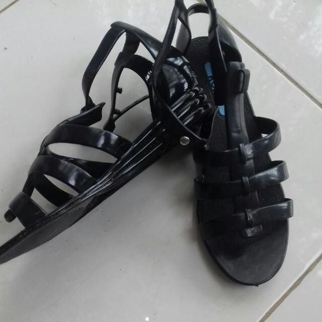 Sepatu Sendal Roxy