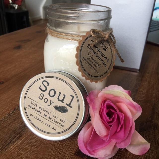 Soul Soy Candle- Champagne & Strawberry