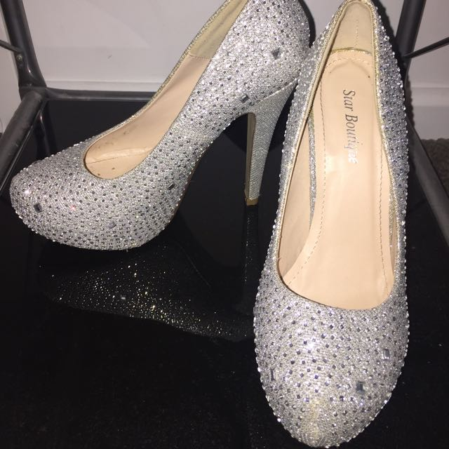 Star Boutique Sparkling Silver Heels