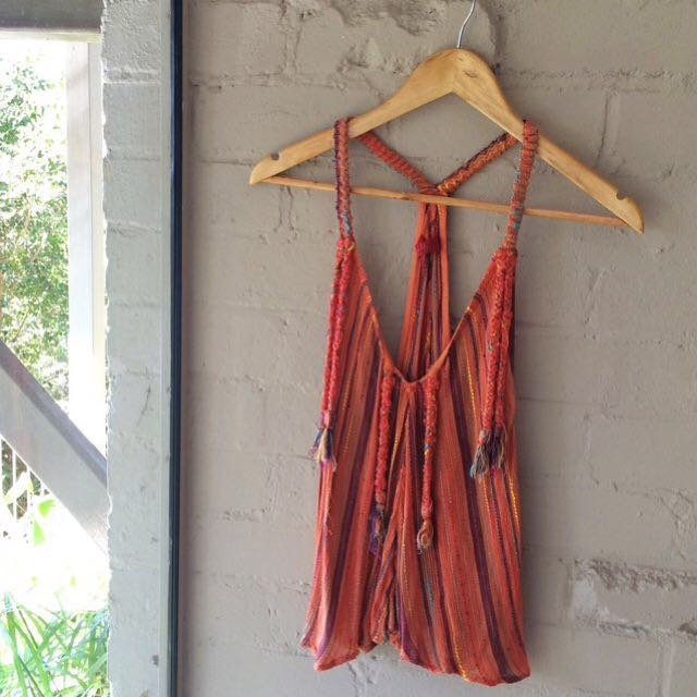Tigerlily Sahira Handloom Top in Burnt Orange. In good condition. Size Large but runs very small so will fit a 8-10. RRP $90 ☄️