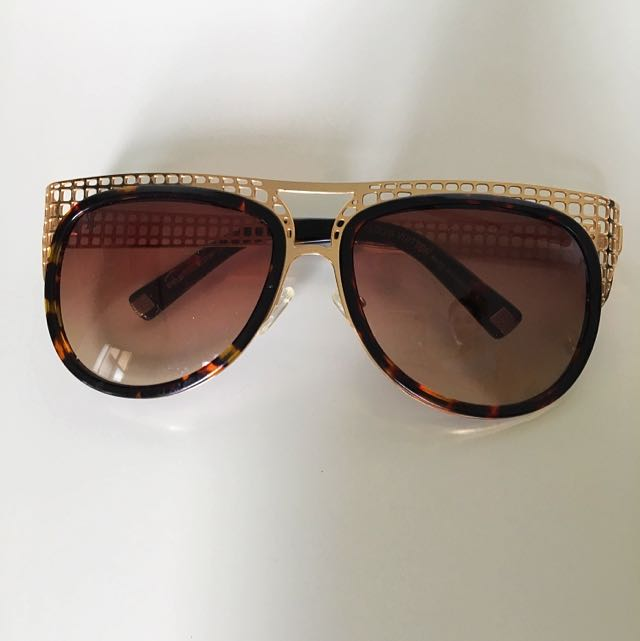 Louis Vuitton sunglasses - Replica