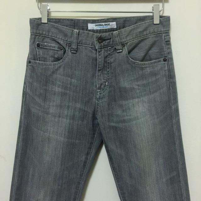 Uniqlo Light Weight 輕量級 丹寧 微淺灰色 直紋刷 直筒 牛仔褲