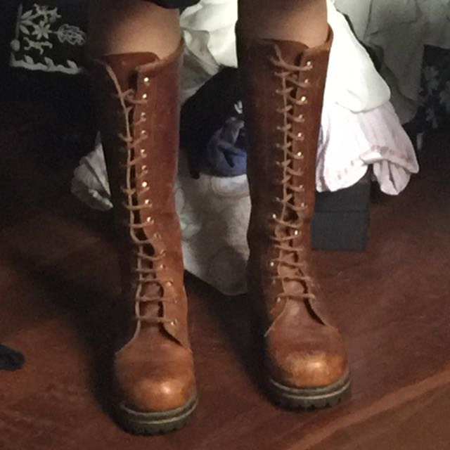 VINTAGE LEATHER LACEUP BOOTS