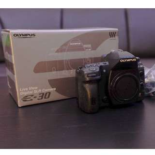 Olympus E-30 12.3MP Digital SLR Camera (Body Only)