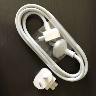 Apple Australia adapter and extension cable