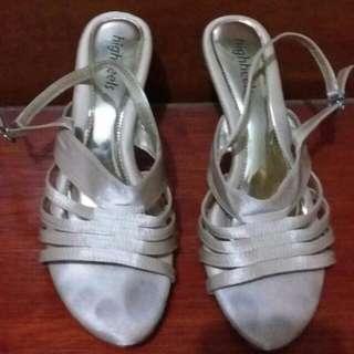 Sandal Tali Cream Gold Hak 7cm Uk 38