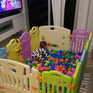 Play Pen Cum Ball Pit (Baby And Matt Not Included)