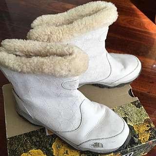 NorthFace Women Boots 39