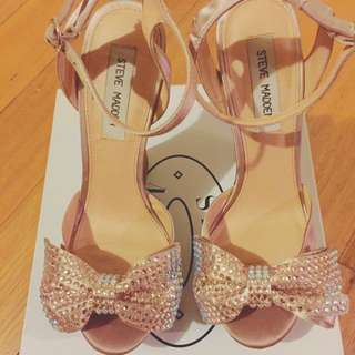 Steve Madden Sultry Champagne Wedges