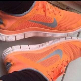 Nike Free Runs Size 4.0 Size 6.5US