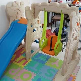 Scramble 'N Slide Play Center