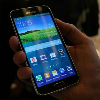 Galaxy S5 Prime W/spare Batt. And Charging Dock