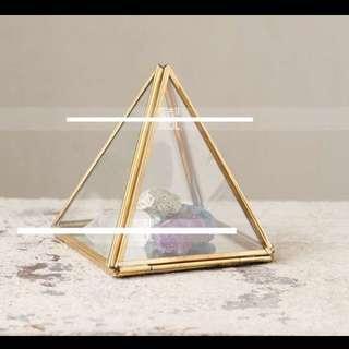 精緻 復古 金字塔 飾品 首飾盒 飾品店 店面 服飾店 櫥窗擺設 婚禮布置 玻璃 花房 金色 黑色 展示盒 現貨