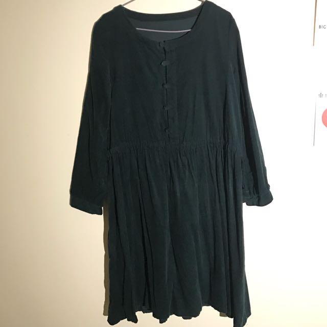 深綠色燈芯絨連身洋裝