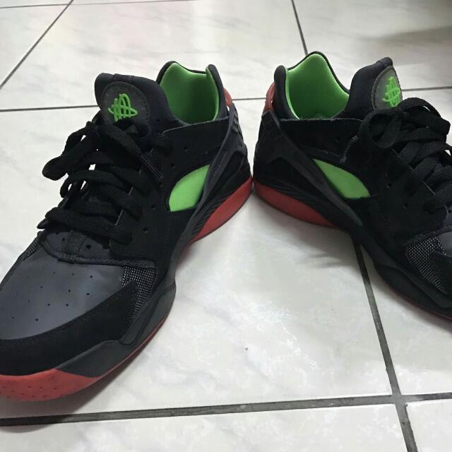 代友出售 Nike 武士鞋