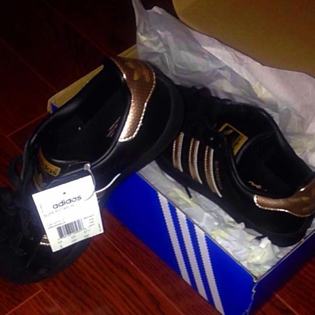 Adidas Superstar Sneakers Size 6