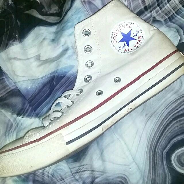 ALL WHITE CONVERSE SIZE 9 WOMENS