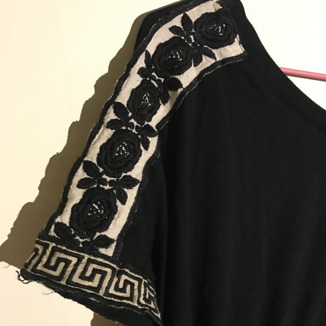 Anna sui 黑色刺繡蝙蝠袖上衣