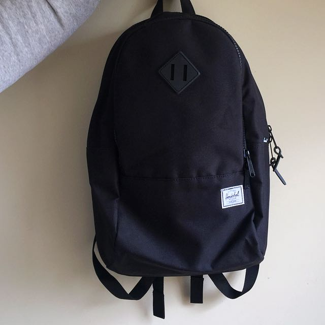"NEW! Hershel Laptop Bag 15"""