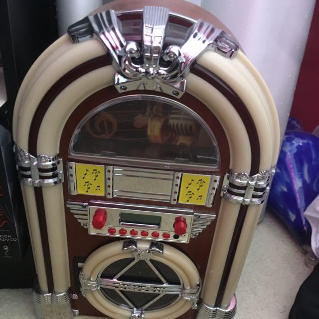 CD/ Radio/Aux Jukebox