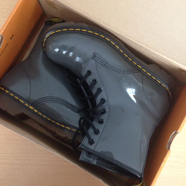 Dr Martens 8-hole Patent Grey