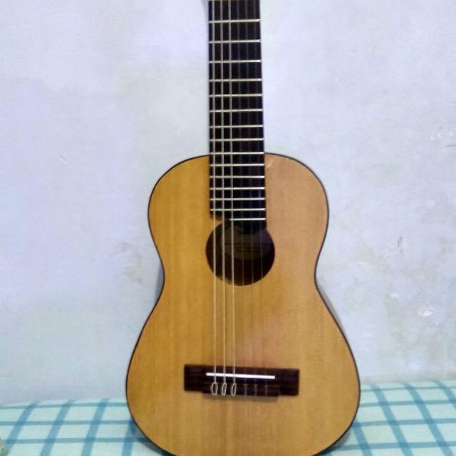 gitar yamaha guitalele persis