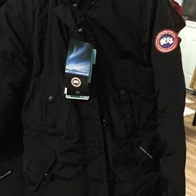 Brand New Goose Jacket L (fit Like Medium ). Much Go .