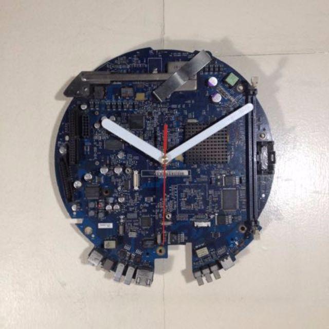 iMac Motherboard Clock