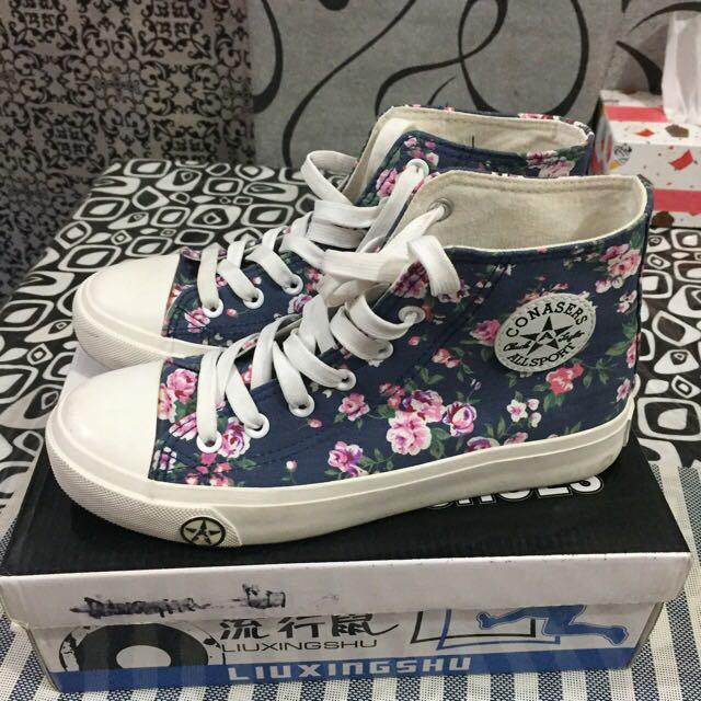 Korean Floral High Cut Shoes Size 7-8