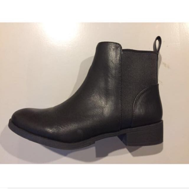 Lipstik Boots - Lila Ankle Boot