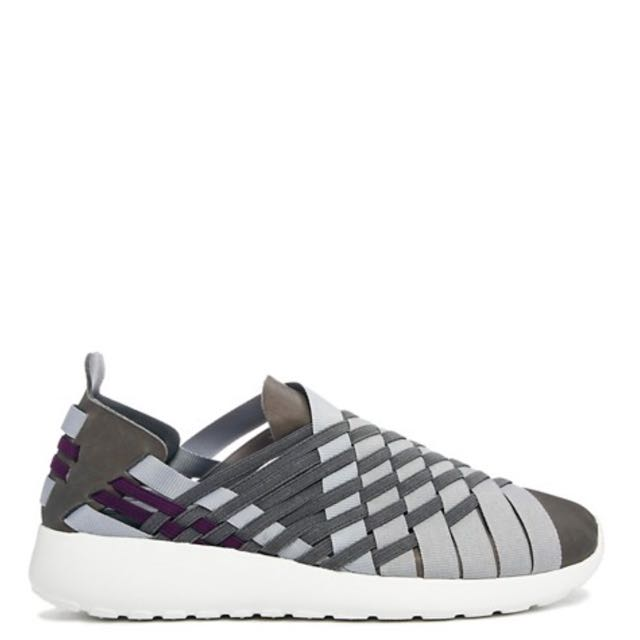 ab19cea5380e Nike Dark Grey Woven Roshe Run Slip On Trainers