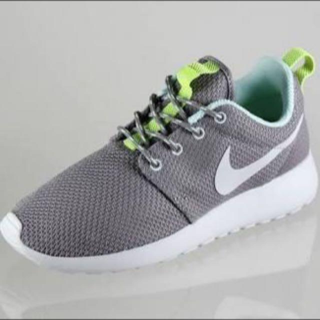 Nike Roshe Run Grey WMNS Size 6