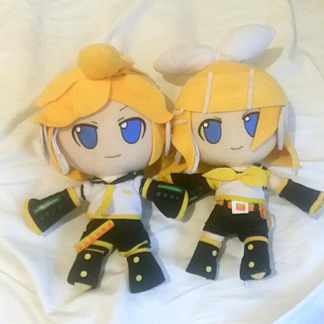 Rin and Len Kagamine Nendoroid Plushes