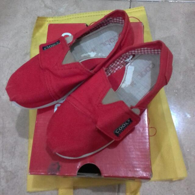 Sepatu Brand Cool Girl