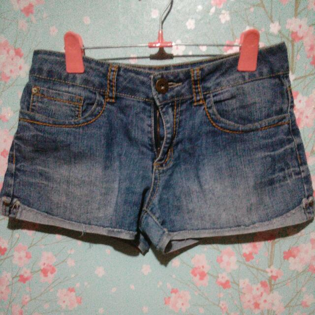 Shorts By Guess (Orig)