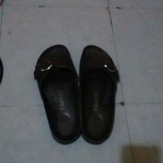 Brown One-Strapped Slippers