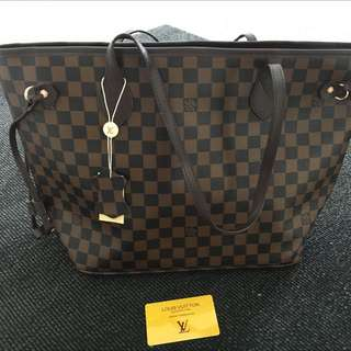 Replica Louis Vuitton Damier